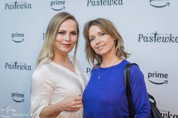 """Premiere von """"Pastewka- Staffel 8"""". Regina Halmich und Tina Ruland, Foto: Dirk Pagels"""