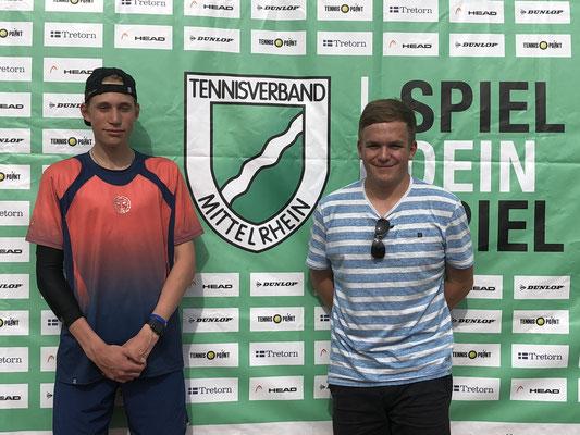 Co-Turnierleiter Max Randerath (re.) machte seine Sache genauso souverän wie U18-Sieger Ben Böhr (TC Bayer Dormagen)