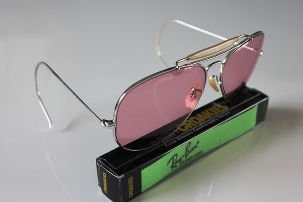 40eb43d2e8b OutDoorsMan II White Gold - Vintage Ray Ban Sunglasses by Bausch and Lomb