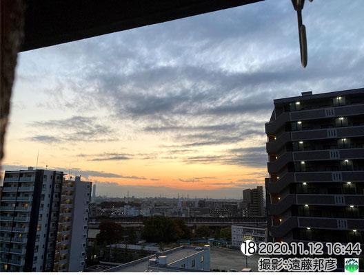 山岳波状雲と夕焼けのコラボ