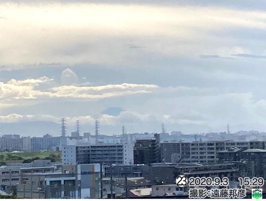 富士山方面 山頂部が見える