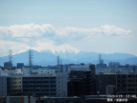 戸田からは山頂が雲に隠れてしまっています。