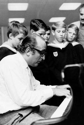 Friedrich Gulda 1969 bei den Wiener Sängerknaben