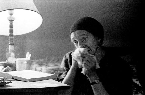 Christine Lavant in ihrer Wohnung in St. Stefan i. Lavanttal 1963