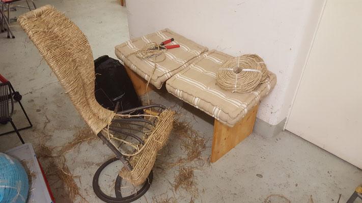 S-Chair von Tom Dixon im Aufbau