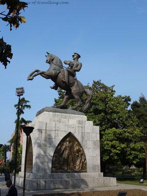 Statue in Samsun