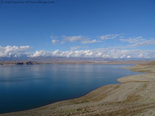 Toktogul Stausee in Kirgistan