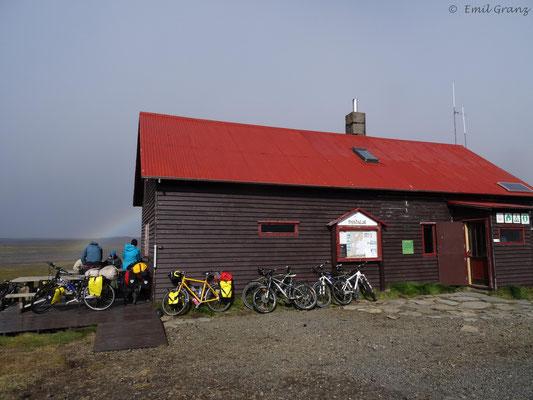 Hütte + Campingplatz in der Mitte der Sprengisandur