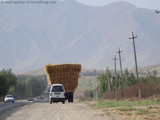 Typische Beladung in Usbekistan