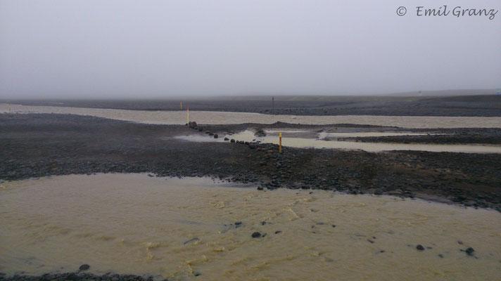 überschwemmte Piste (F26)