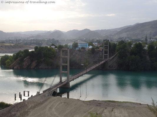 Baufällige Brücke bei Taskomur