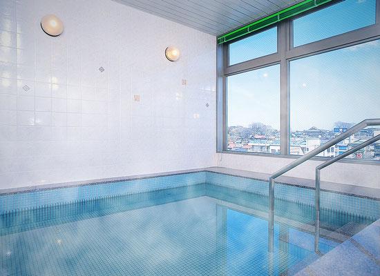 展望大浴場:5階から眺めの良い展望風呂で入浴を楽しみいただけます。