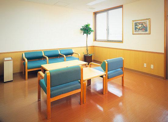 談話コーナー:3〜4階には談話コーナーを設置。