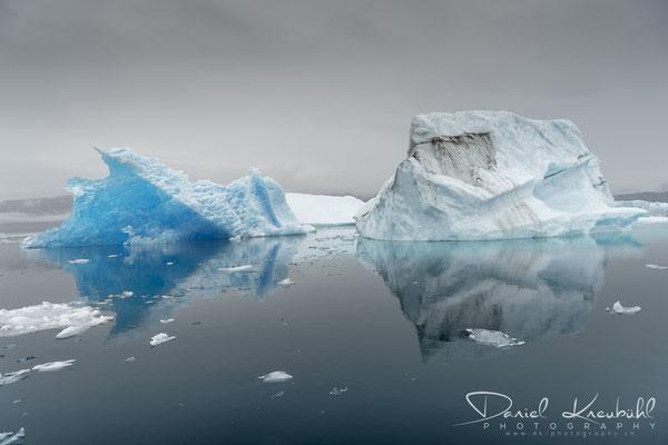 Eisberge bei Narsaq, Grönland