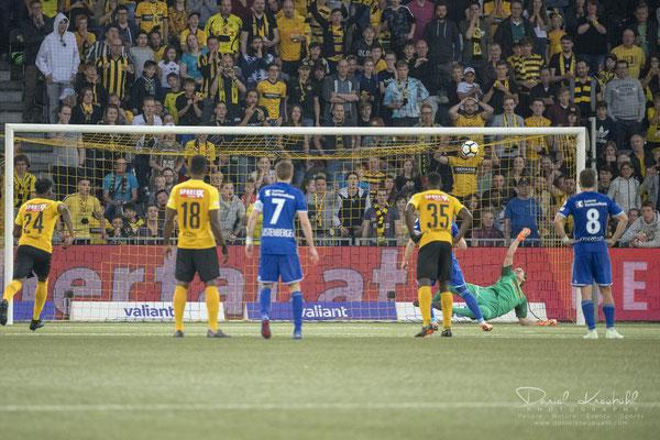 KW17: Wöfli hält den Penalty, aufgenommen mit der Nikon D850