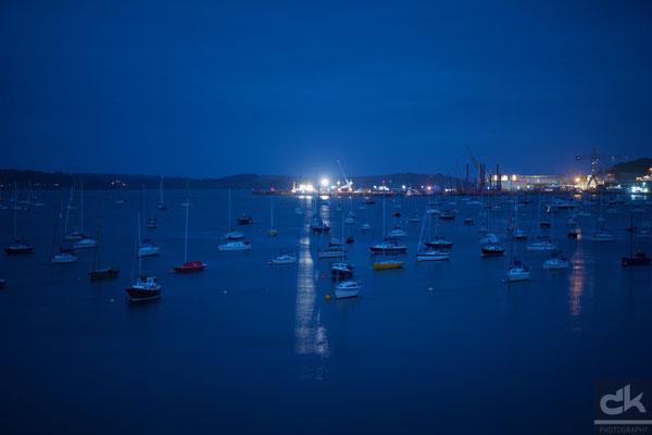 Der Hafen von Falmouth in der blauen Stunde (August 2016, Falmouth, Südengland)