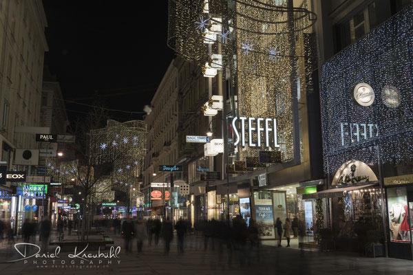 Weihnachtsbeleuchtung an der Kärtnerstrasse in Wien