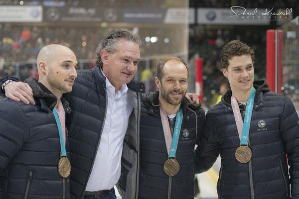 Bronzemedaillengewinner Raymond Mason, Andrew Ebbett, Mark Arcobello