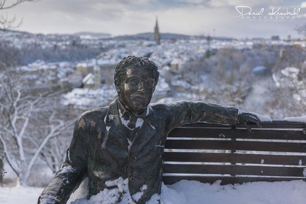 Albert Einstein vor der Traumkulisse der Berner Altstadt