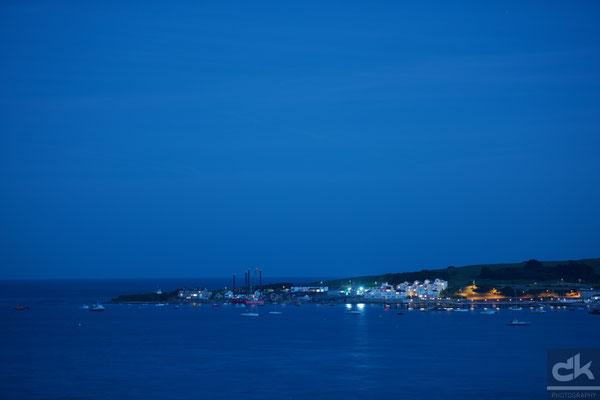 Der Hafen von Swanage in der blauen Stunde (August 2016, Falmouth, Südengland)