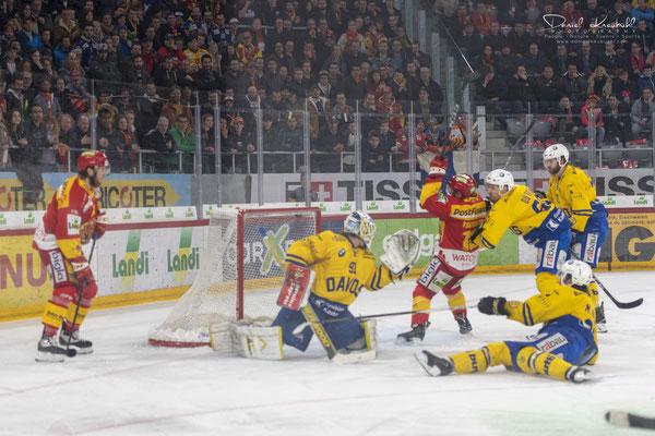 KW12: Eishockey Spiel EHC Biel - HC Davos (Playoff), aufgenommen mit der Nikon D850