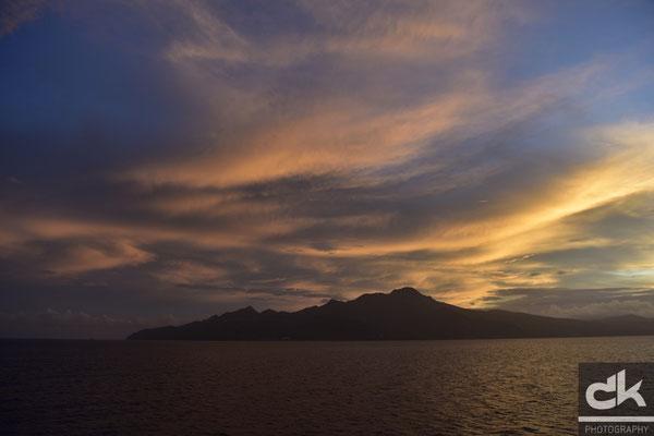 Der Tag erwacht über Martinique