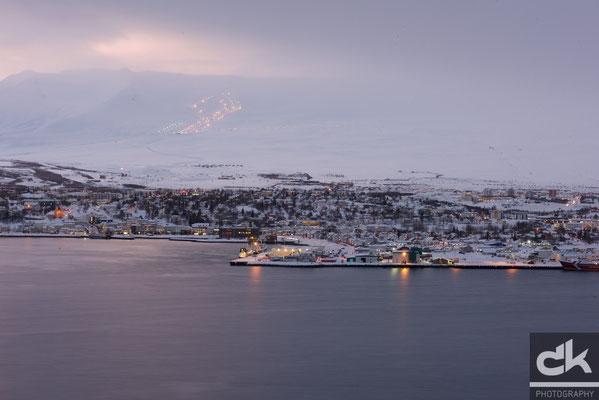Akureyri in der blauen Stunde