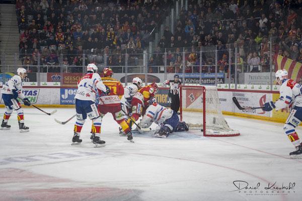 KW9: Eishockey Spiel EHC Biel - ZSC Lions, aufgenommen mit der Nikon D850