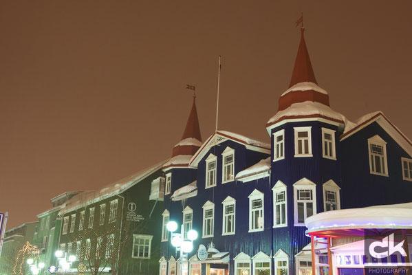 Akureyri by night