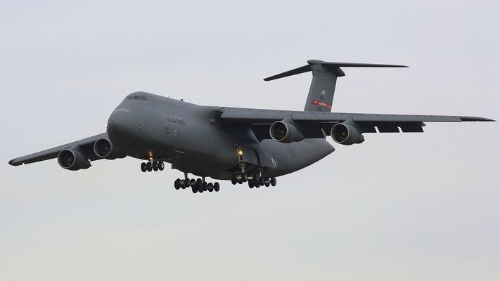 87-0033 USAF C-5B Galaxy 87-0033 439thAW