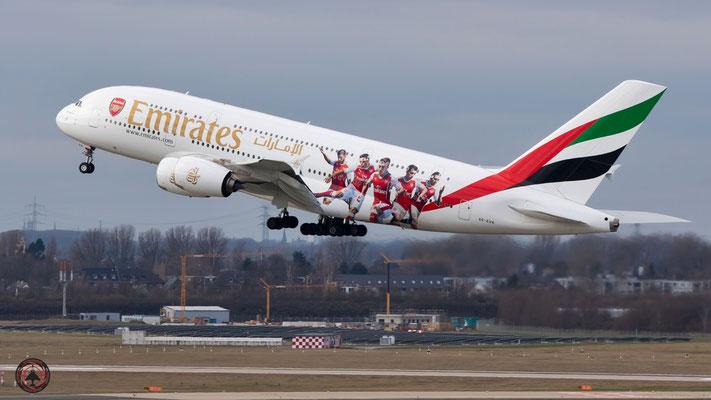 Emirates Airbus A380 A6-EUA Arsenal London Logo Jet