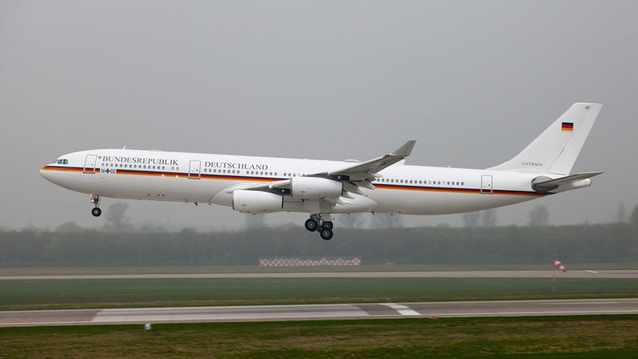German Air Force Luftwaffe Airbus A340-300 16+02