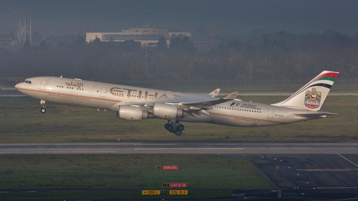 Airbus A340-500 A6-EHC Etihad