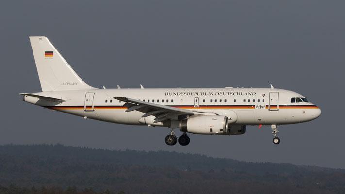 Bundesrepublik Deutschland Airbus A319-100 CJ Flugbereitschaft des Bundesministeriums für Verteidigung 15+02