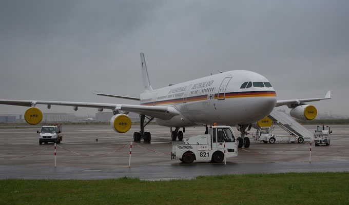 German Air Force Luftwaffe Airbus A340-300 16+01