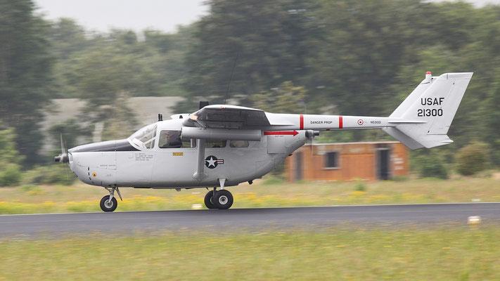 Cessna C337 O-2A Super-Skymaster - N590D