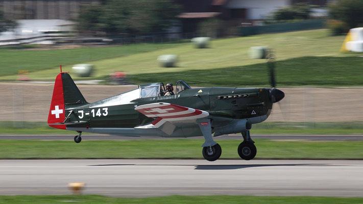 Morane-Saulnier MS.406 französisches Jagdflugzeug Indienststellung 1938   1176 Stück produziert Bild: D-3801 Swiss - Air Force J-143