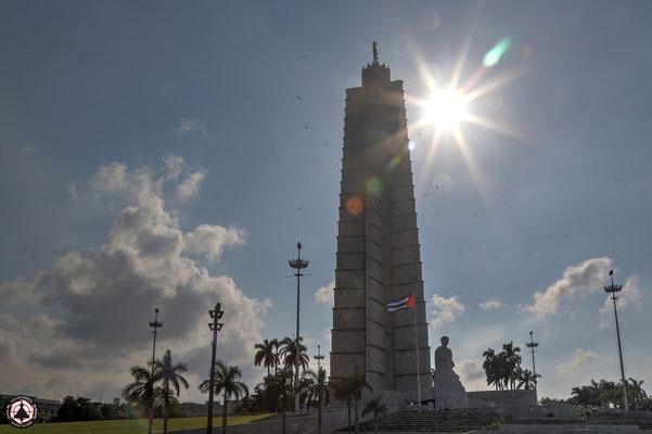 Havanna - Plaza de la Revolución - Platz der Revolution - Obelisk zur Ehren von José Martí, Kubas Nationalhelden.