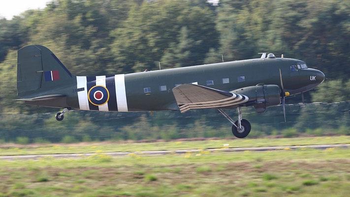 """Douglas C-47A """"Dakota"""" ZA947 gebaut März 1942. Die DC-3/C-47 wurde von 1936 bis 1945 ca. 16000 mal gebaut."""
