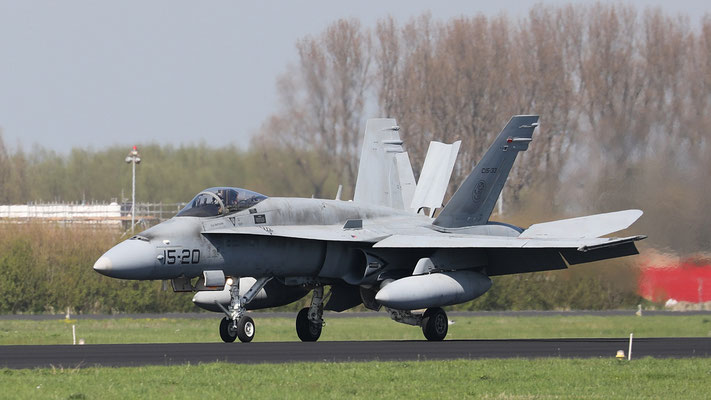 Spanish Airforce 15-20 C.15-33 EF-18M landung