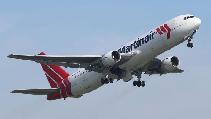 PH - MCI Boeing 767-31A Martin Air