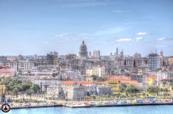 Havanna - Blick vom Fortaleza de San Carlos de la Cabaña auf die Stadt