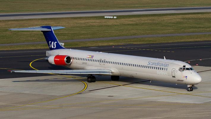LN-RLF SAS Scandinavian Airlines McDonnell Douglas MD-82