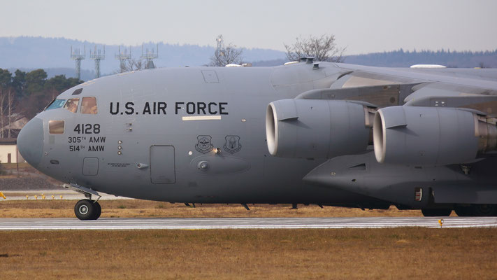 04-4128 Boeing C-17 Globemaster III US Air Force