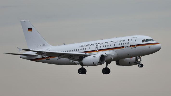 Bundesrepublik Deutschland Airbus A319-100 CJ Flugbereitschaft des Bundesministeriums für Verteidigung 15+01
