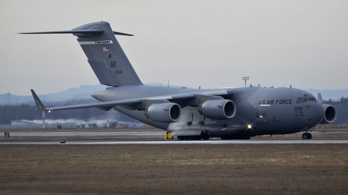 98-0051 USAF United States Air Force Boeing C-17A Globemaster III