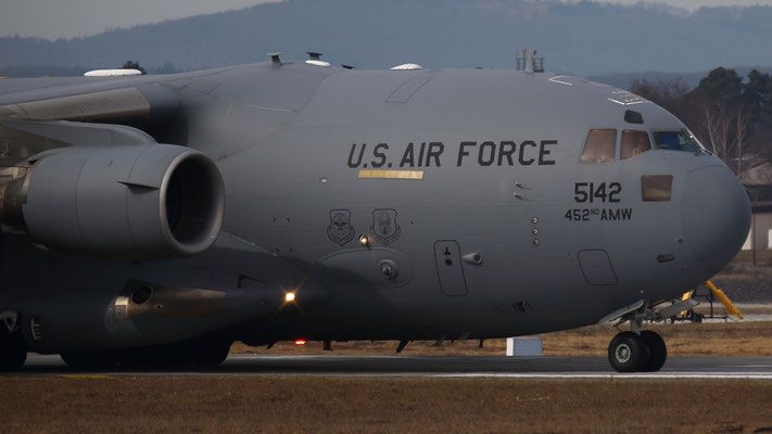 05-5142 United States Air Force Boeing C-17A Globemaster III