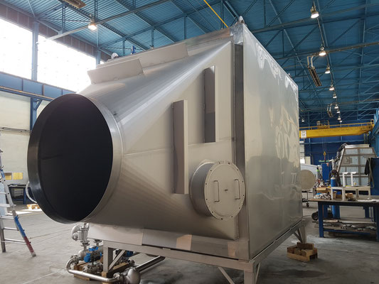 Steam Heat Exchanger incl. insulated Manhole