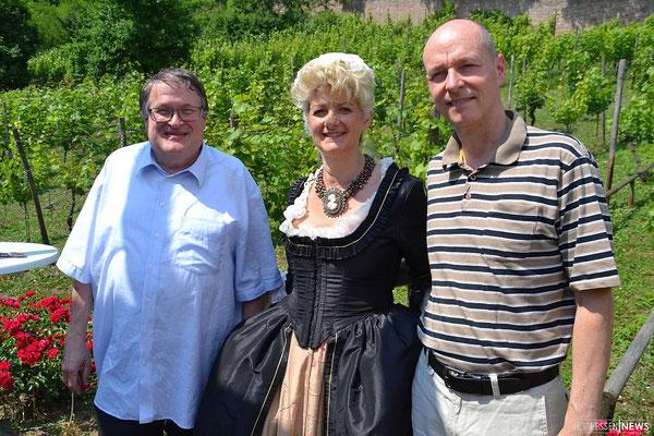von links: Prof. Dr. Richard Hartmann (ehemaliger Kapitelältester), Odile Wind (Menuet Ensemble), Ral Liebau (aktueller Kapitelältester)