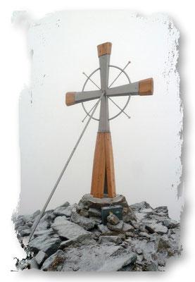 Deneck 2433m (Neues Gipfelkreuz)
